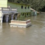 Fresh flood alert in southern India as monsoon death toll hits 244
