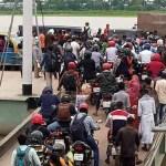 Heavy rush of Dhaka-bound passengers at Kathalbari ferry ghat