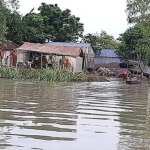Sirajganj flood-hit people want relief, admn busy in making lists