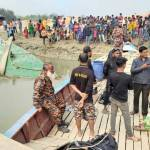 Trawler capsize in Gopalganj: 1 body found, another still missing