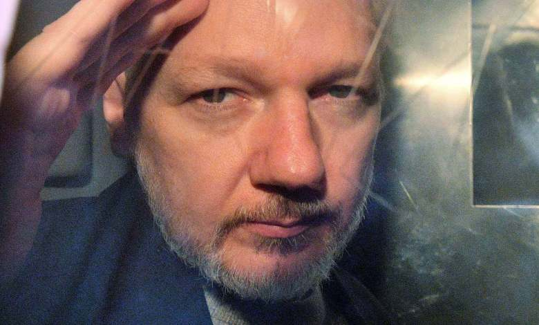 Julian Assange, a la salida del juzgado en Londres el pasado 1 de mayo. DANIEL LEAL-OLIVAS AFP