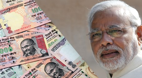 Tit for Tat : Congress poses same questions to Modi on falling Rupee as he posed to Manmohan Singh