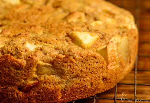 Somerset Apple Cake © Sue Todd 2015.