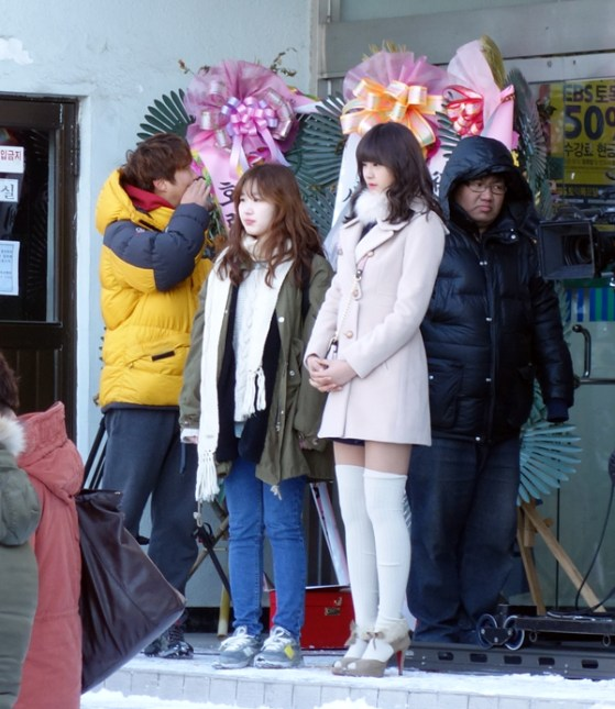 """""""My Daughter Seo Young"""" shoots on KNU campus"""
