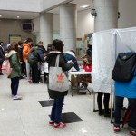 Campaign 2013 - Students vote for Kangnam University's student council president and vice president on the first floor of Shalom Hall. (Photo: Charles Ian Chun)