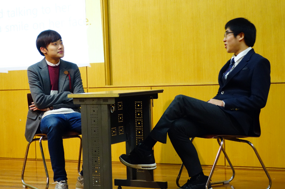Kim Sang-geun's (3rd-year, Real Estate) character (right) plays matchmaker with his friend, played by Kim Ho-gohn (2nd-year, Business Management). (Photo: Charles Ian Chun)