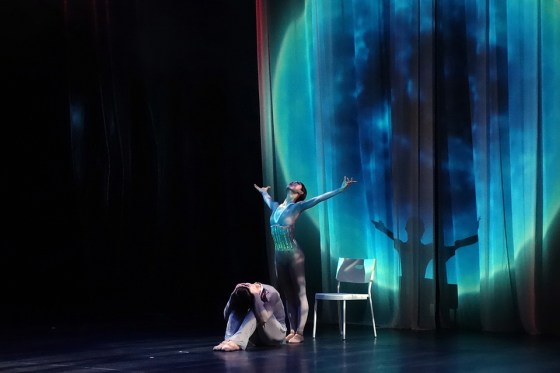 """""""Under the Moon"""" choreographed by James Jeon for Seoul Ballet Theatre at the premiere of MOVES, Gwacheon Citizens Hall. Photo: Charles Ian Chun"""