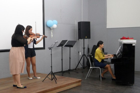 Students of the German School of Music Weimar perform at Sarangbat Mental Health Rehabilitation Center (PHOTO: Sarangbat)