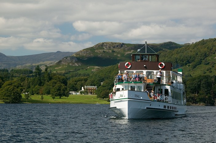 Breathtaking scenery on a Windermere Lake Cruise from Waterhead to Bowness-on-Windermere