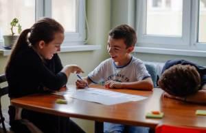английски за деца софия Езиков център English plusцентър