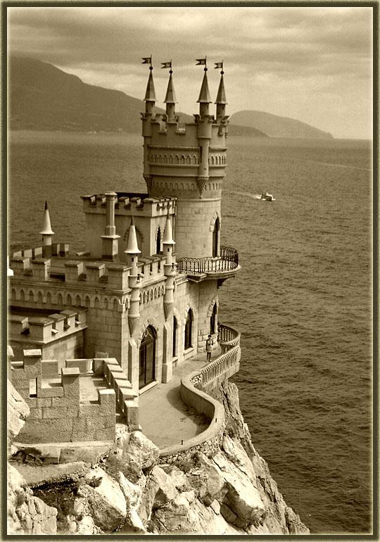 6 Swallows Nest, the Sea Castle in Crimea
