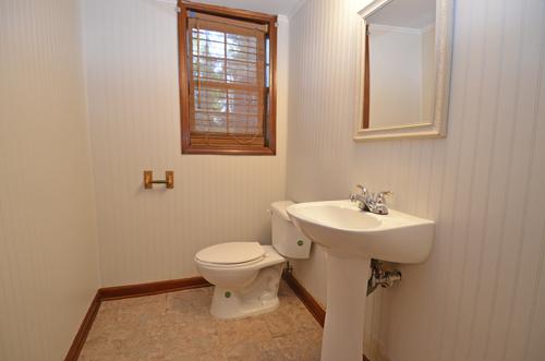 14 Rec room Bath