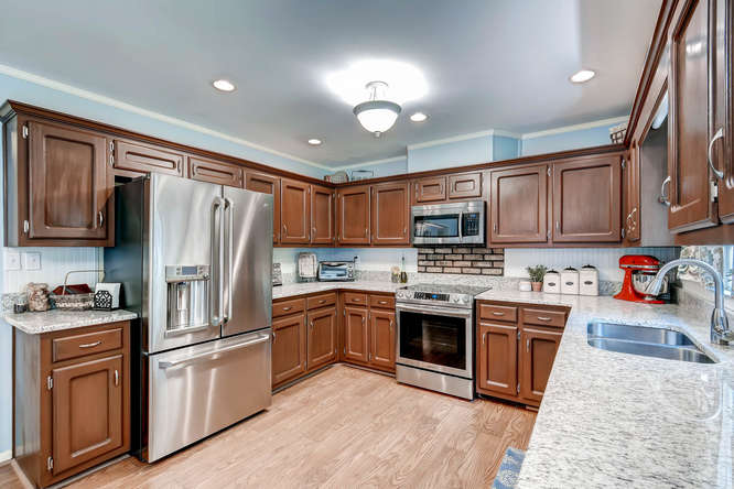 2299-winding-woods-tucker-ga-small-010-15-kitchen-666x445-72dpi