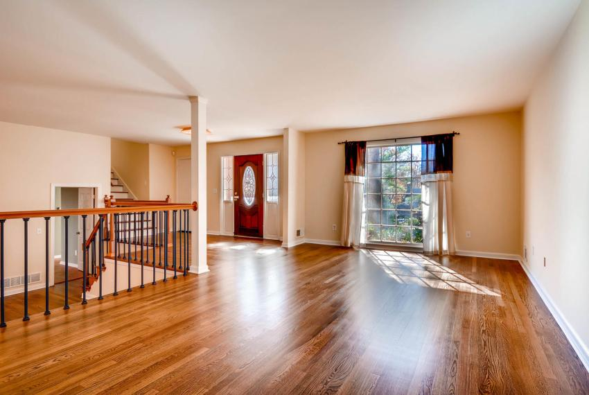 2587-cosmos-court-ne-atlanta-large-008-2-living-room-1499x1000-72dpi