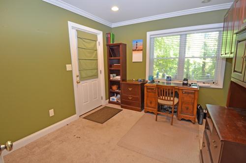 25-basement-office