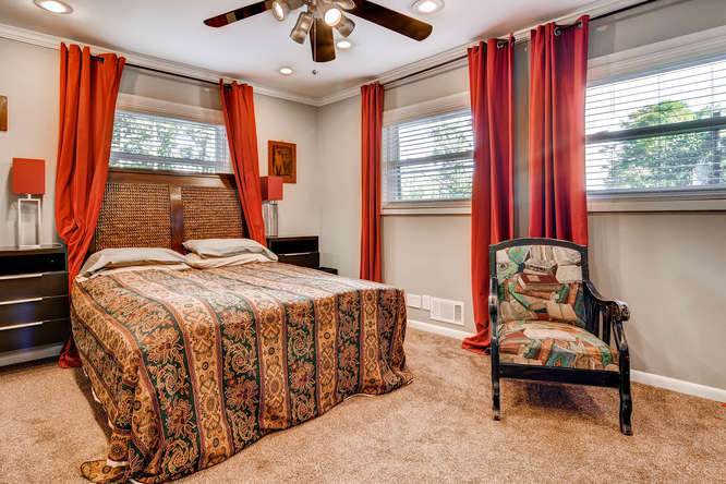 3226-leslie-lane-atlanta-ga-small-029-24-lower-level-bedroom-666x444-72dpi