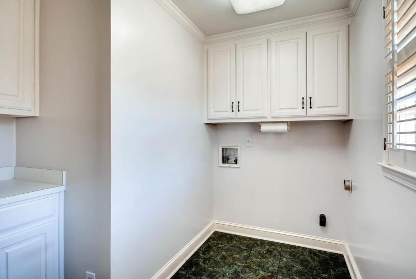 2828 Cravey Dr NE Atlanta GA-large-031-18-Laundry Room-1499x1000-72dpi