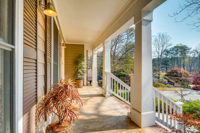 2646 Hawthorne Place NE-small-005-40-Porch-666x445-72dpi
