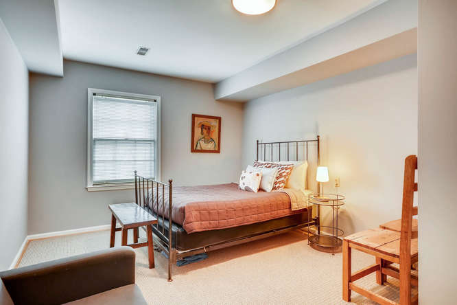 2646 Hawthorne Place NE-small-034-25-Lower Level Bedroom-666x445-72dpi