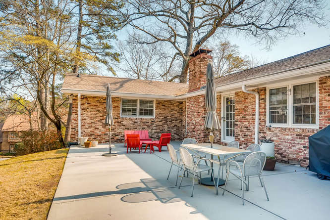 2646 Hawthorne Place NE-small-039-36-Patio-666x445-72dpi