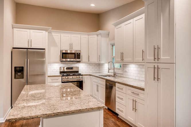 2045 Luxuria Court Tucker GA-small-015-8-Kitchen-666x445-72dpi