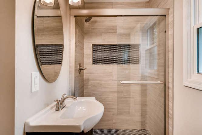 2045 Luxuria Court Tucker GA-small-021-22-2nd Floor Master Bathroom-666x445-72dpi