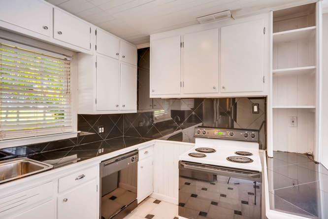 3154 Briarcliff Way NE Atlanta-small-012-7-Kitchen-666x445-72dpi