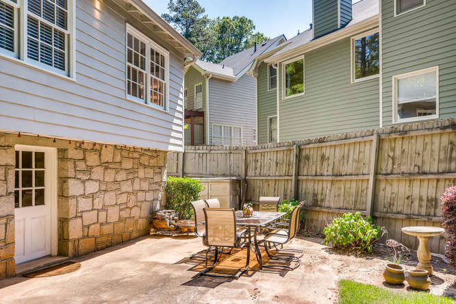 3154 Briarcliff Way NE Atlanta-small-039-36-Patio-666x445-72dpi