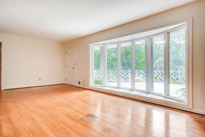 2528 Varner Drive NE Atlanta-small-007-2-Living Room-666x445-72dpi