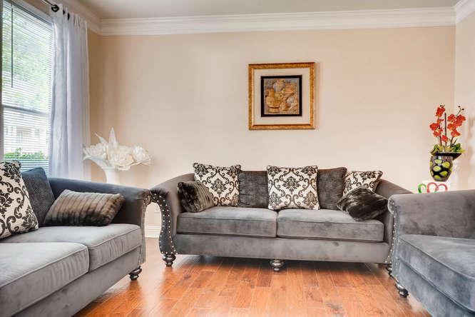 1590 Reserve Circle Decatur GA-small-005-2-Living Room-666x445-72dpi