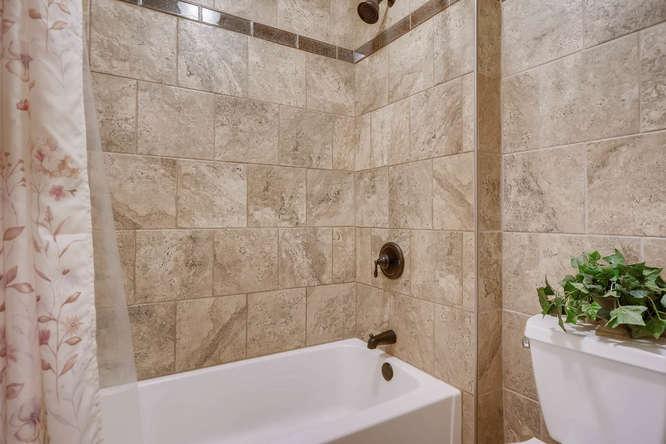 1590 Reserve Circle Decatur GA-small-026-25-2nd Floor Bathroom-666x445-72dpi