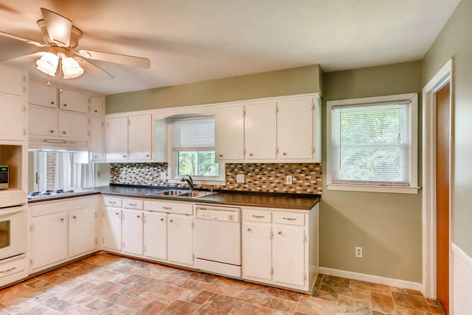 3239 Rehoboth Drive Decatur GA-small-012-19-Kitchen-666x445-72dpi