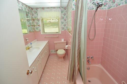 25 Hall Bath 1
