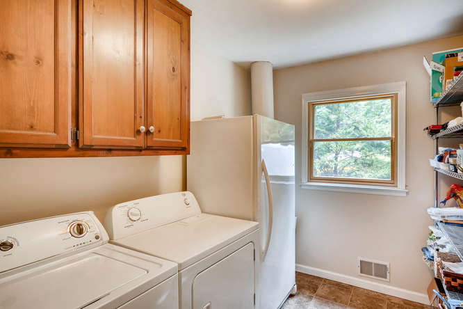2195 Greencliff Dr NE Atlanta-small-034-30-Laundry Room-666x445-72dpi