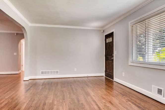 4260 Castle Pines Court Tucker-small-006-6-Living Room-666x445-72dpi