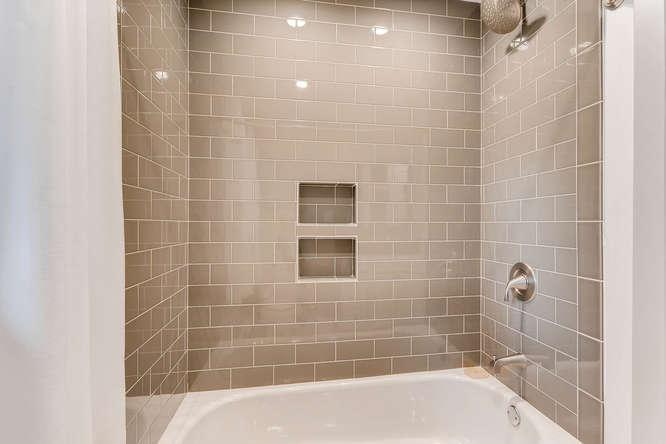 4260 Castle Pines Court Tucker-small-029-15-Bathroom Detail-666x445-72dpi