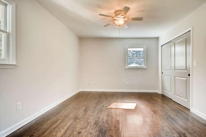 3002 Shenandoah Valley Rd NE-small-016-14-Master Bedroom-666x445-72dpi