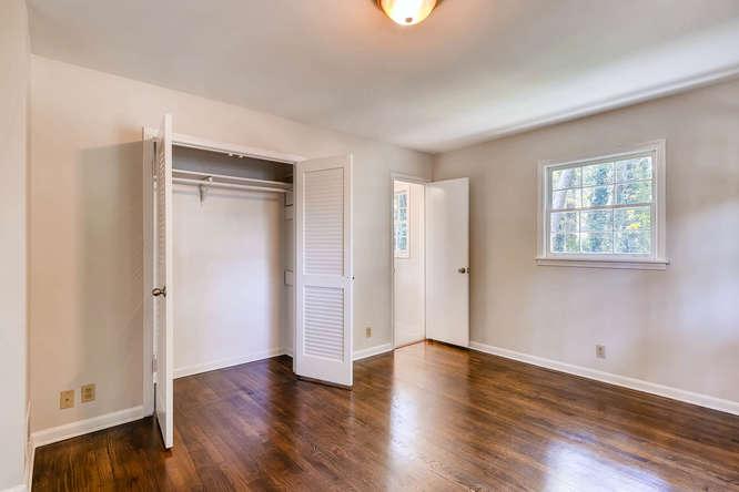 4001 Foxglove Rd Tucker GA-small-018-22-2nd Floor Master Bedroom-666x445-72dpi