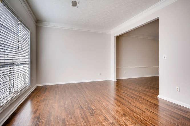 547 Ravinia Way Lawrenceville-small-009-9-Living Room-666x445-72dpi