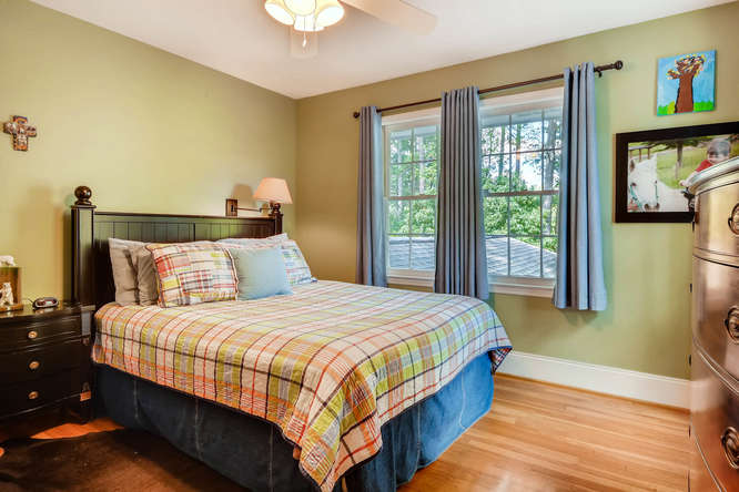 2075 Valiant Drive Atlanta GA-small-030-30-2nd Floor Bedroom-666x445-72dpi