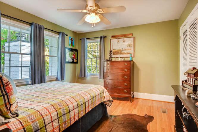 2075 Valiant Drive Atlanta GA-small-031-34-2nd Floor Bedroom-666x445-72dpi