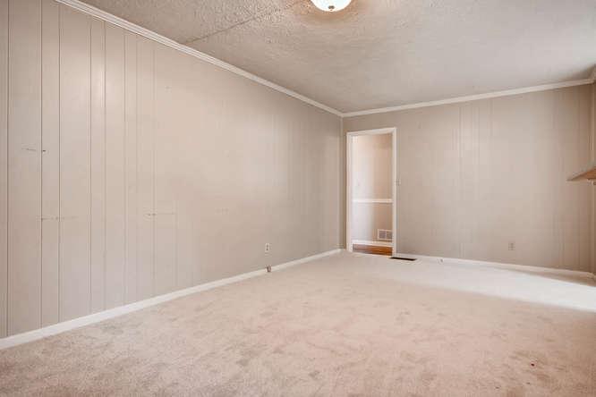 3048 Hudson Ct Decatur GA-small-016-42-Family Room-666x445-72dpi
