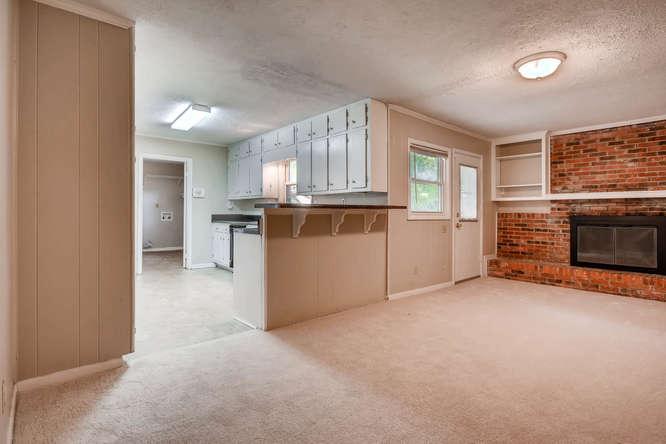 3048 Hudson Ct Decatur GA-small-017-20-Family Room-666x445-72dpi