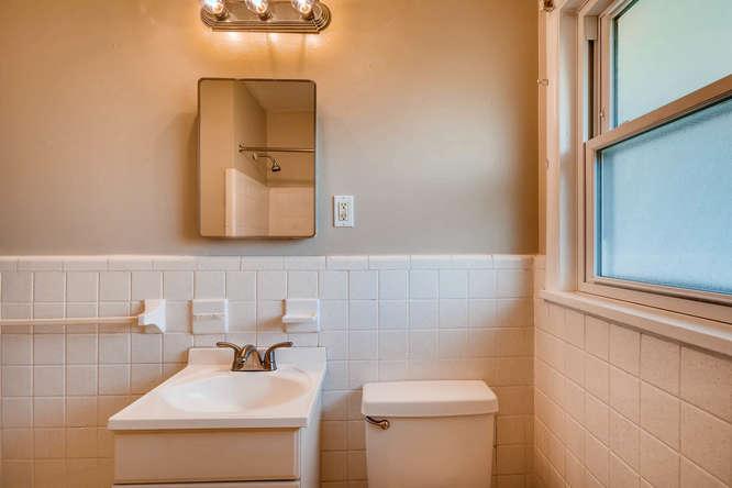 3048 Hudson Ct Decatur GA-small-028-22-Bathroom-666x445-72dpi