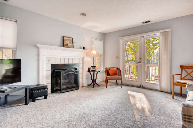 1019 North Jamestown Decatur-small-008-5-Living Room-666x445-72dpi