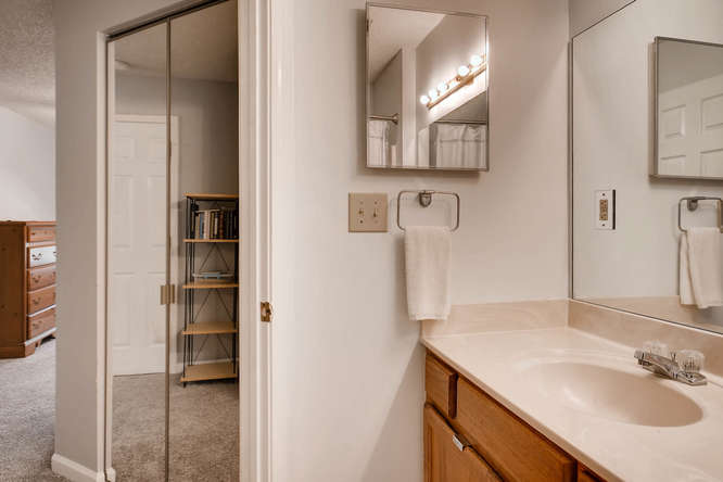 1019 North Jamestown Decatur-small-021-13-Master Bathroom-666x445-72dpi