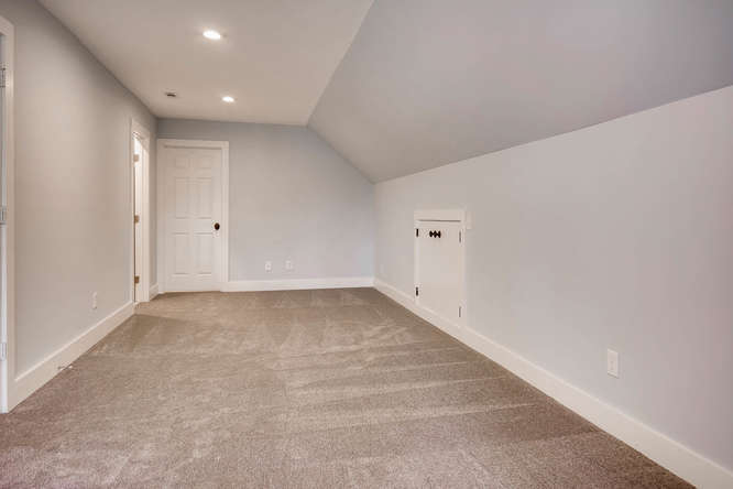 1467 Lavista Drive Decatur GA-small-033-40-3rd Floor Bonus Room-666x445-72dpi