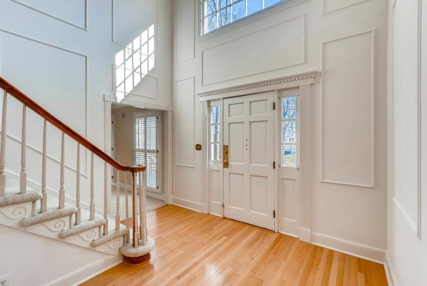 2556 midvale Forest Drive-large-005-10-Foyer-1500x1000-72dpi