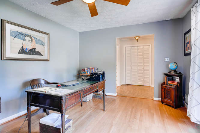 2703 Braithwood Drive NE-small-008-2-Living Room-666x445-72dpi