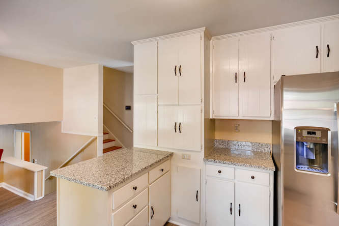 2882 Greenbush Place NE-small-014-17-Kitchen-666x445-72dpi